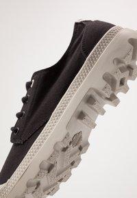 Palladium - PAMPA ORGANIC - Casual lace-ups - black - 5