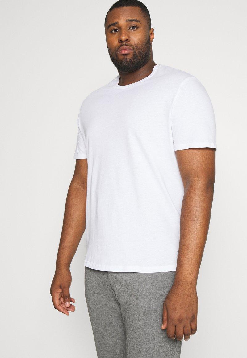 TOM TAILOR MEN PLUS - DOUBLE PACK CREW NECK TEE - Basic T-shirt - white                         white