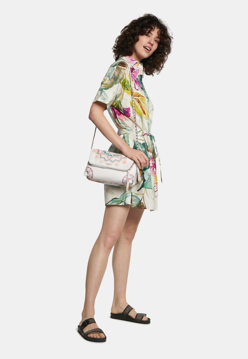 Desigual - BOLS BREATHE VENECIA - Across body bag - white