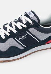 Pepe Jeans - CROSS 4 SAILOR - Sneakers basse - dark blue - 5