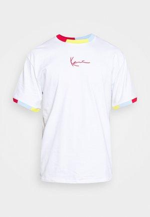 SMALL SIGNATURE TEE UNISEX - Print T-shirt - white