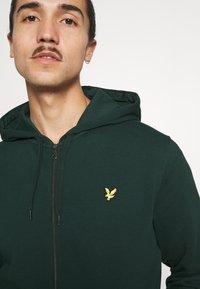 Lyle & Scott - ZIP THROUGH HOODIE - Zip-up sweatshirt - dark green - 5