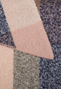 Pieces - PCPYRON CHECKED LONG SCARF - Écharpe - misty rose - 2