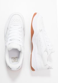 DC Shoes - PENZA - Sneaker low - white - 1
