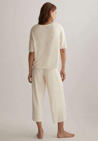 OYSHO - Pyjama top - off-white - 2