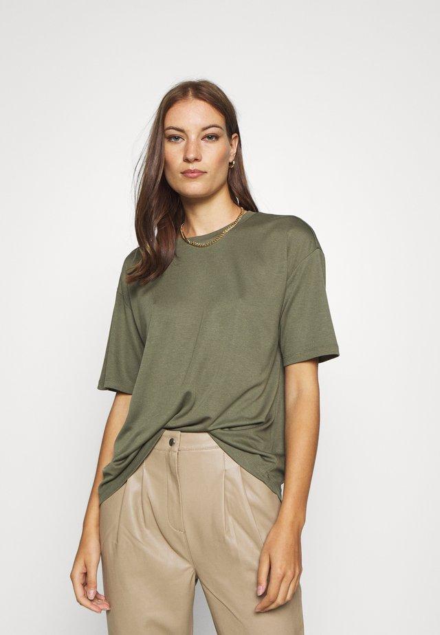SAMINE - Jednoduché triko - kalamata