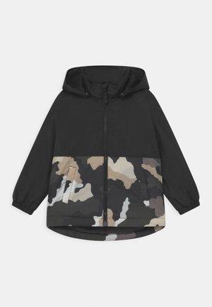 CAMOUFLAGE - Lehká bunda - black