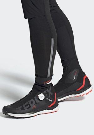 TERREX AGRAVIC TECH PRO BOOST TRAIL RUNNING - Sneaker high - black
