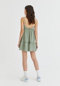 PULL&BEAR - Jumpsuit - green - 2