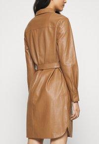 Opus - WELONI - Shirt dress - peanut - 3