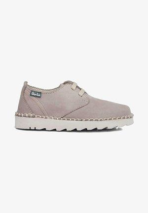 BLUCHER - Zapatos con cordones - grey