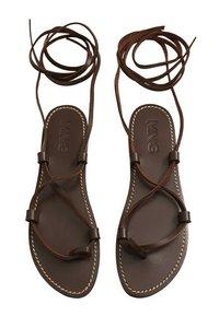 Mango - T-bar sandals - schokolade - 1