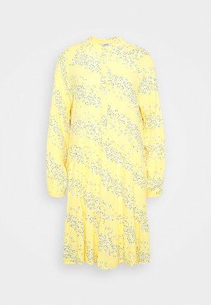 MARRANIE - Košilové šaty - sereia yellow