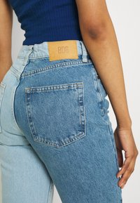BDG Urban Outfitters - TWO TONE PAX - Relaxed fit jeans - summer blue - 3