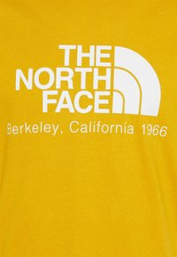 The North Face - BERKELEY CALIFORNIA TEE - Print T-shirt - arrowwood yellow - 2
