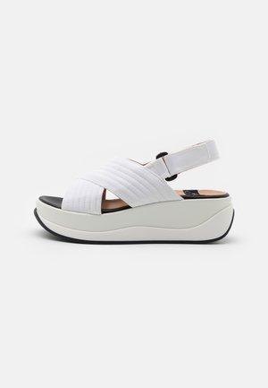PETUNIA - Sandalen met plateauzool - blanco