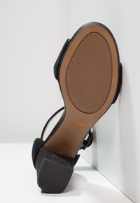 Clarks - DEVA MAE - Sandals - black - 4