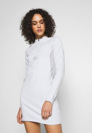 Vestido ligero - pure platinum/smoke grey