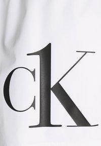 Calvin Klein Swimwear - ONE DRAWSTRING - Badeshorts - white - 2