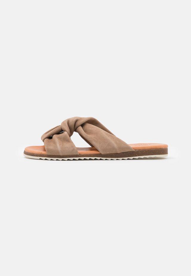 MAYA - Pantofle - taupe