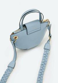 Uterqüe - MIT GURT - Across body bag - blue - 2