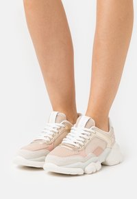 Marc O'Polo - JULIA - Trainers - nude/gold - 0