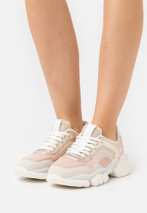 JULIA - Trainers - nude/gold