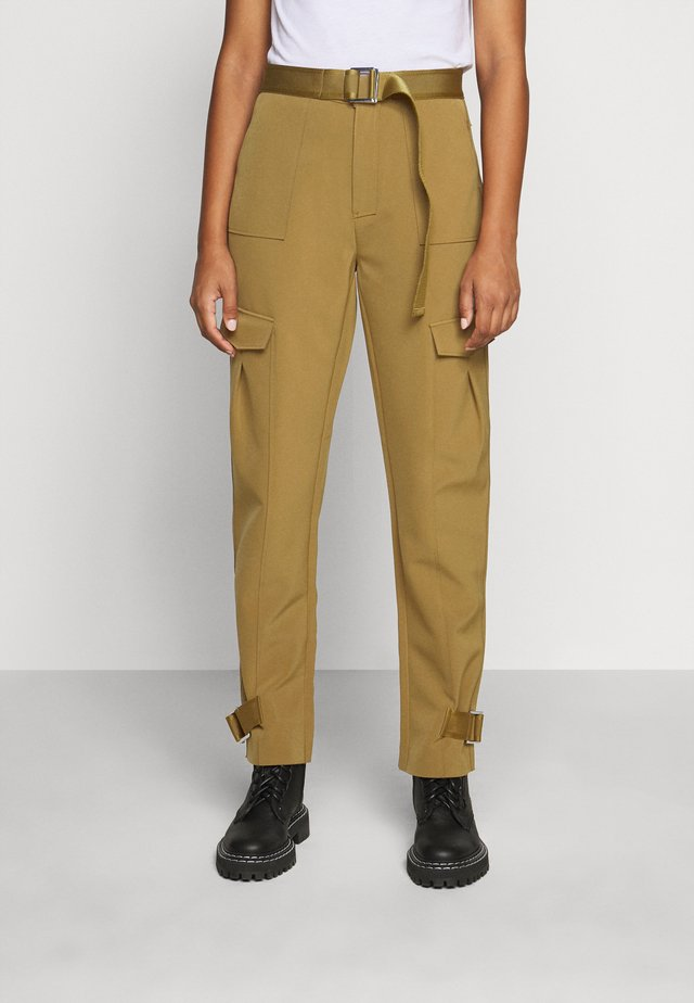 SKUNK TROUSER - Pantalon cargo - olive