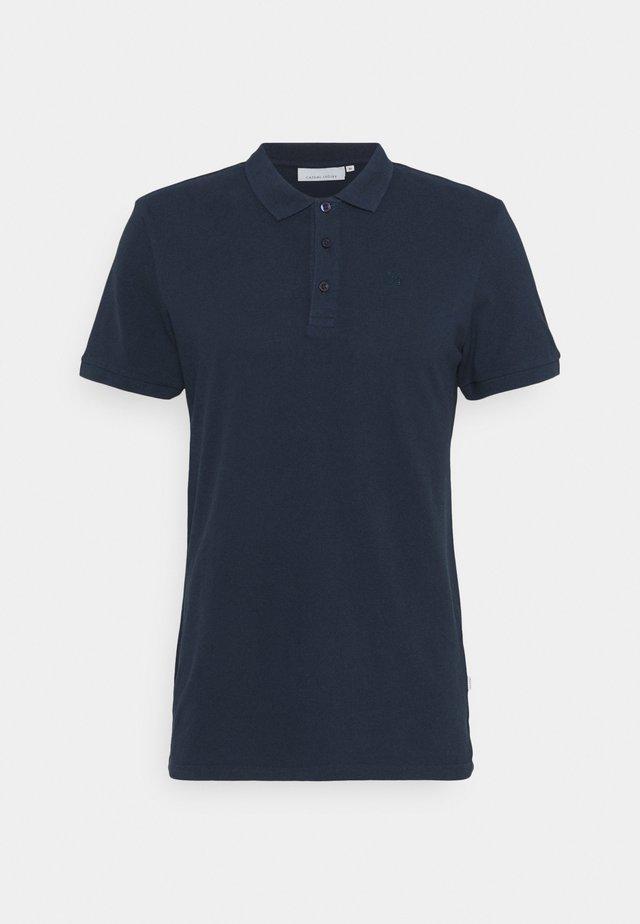 CFTANNER - Polo - navy blazer