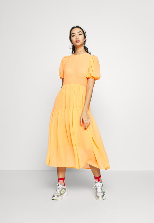 TIERED SHEER MIDI DRESS - Denní šaty - orange