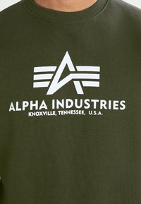 Alpha Industries - BASIC  - Sweatshirt - dark green - 3