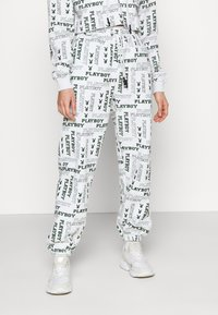 Missguided - PLAYBOY LOGO JOGGER - Tracksuit bottoms - grey marl - 0