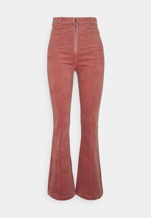 IDA FRONT ZIP FLARED PANT - Kalhoty - pink