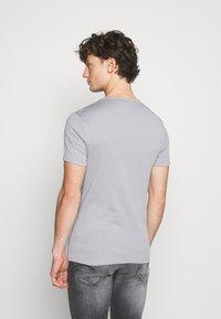 G-Star - BASE 2 PACK - Basic T-shirt - steel grey - 3