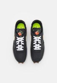 Nike Sportswear - DBREAK TYPE M2Z2 UNISEX - Trainers - black/solar flare/white/volt - 3