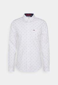 Tommy Jeans - DOBBY SHIRT - Košile - white - 0
