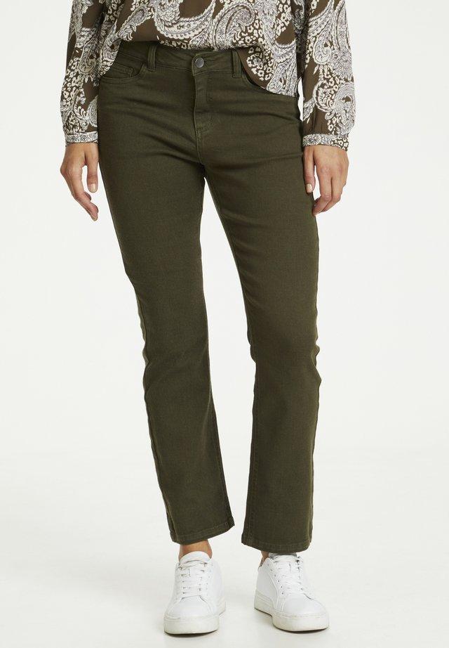 KAJORDI  - Jeans a sigaretta - grape leaf