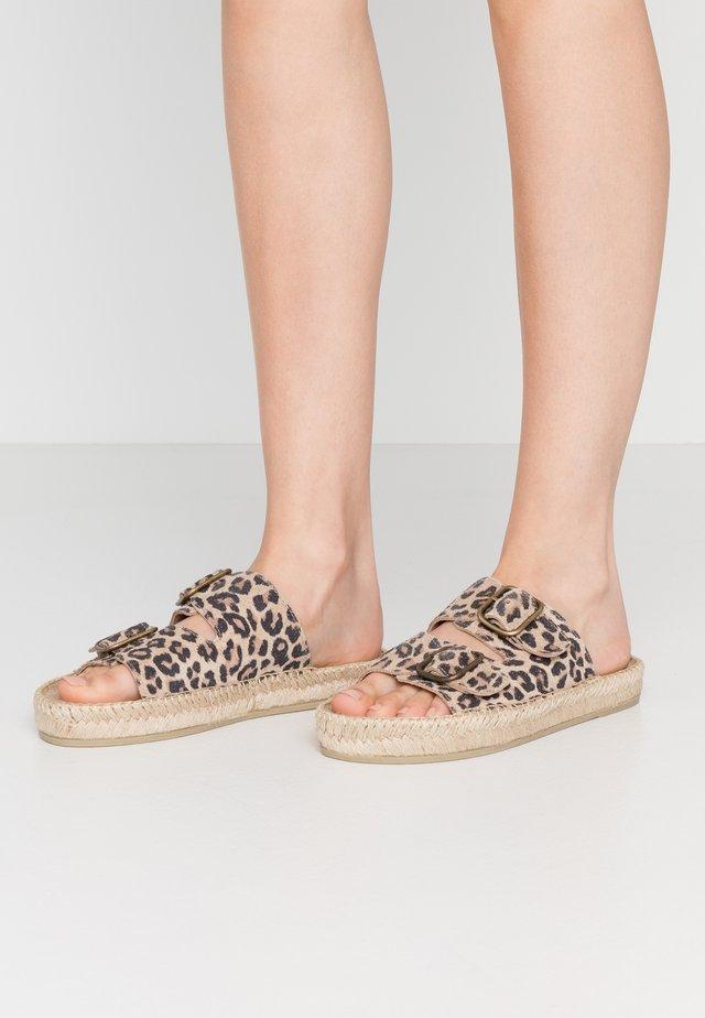 CLAQUETTE PRINT - Sandaler - brown