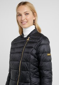 Barbour International - CORTINA QUILT - Übergangsjacke - black - 3