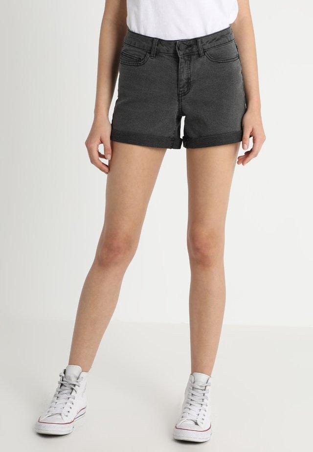 NMBE LUCY FOLD - Shorts di jeans - dark grey denim