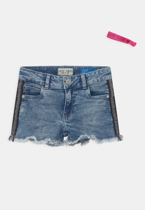 JILLA  - Denim shorts - light-blue denim