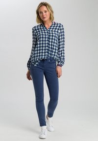 Marc Aurel - MIT ALLOVERPRINT - Button-down blouse - blue - 1