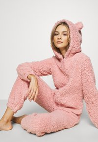 Loungeable - PINK TEDDY SHERPA ONESIE - Jumpsuit - pink - 3