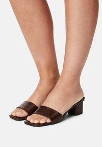 Rubi Shoes by Cotton On - CECIL - Heeled mules - choc - 0