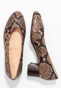 Unisa Wide Fit - LUNIS - Classic heels - mocca - 3