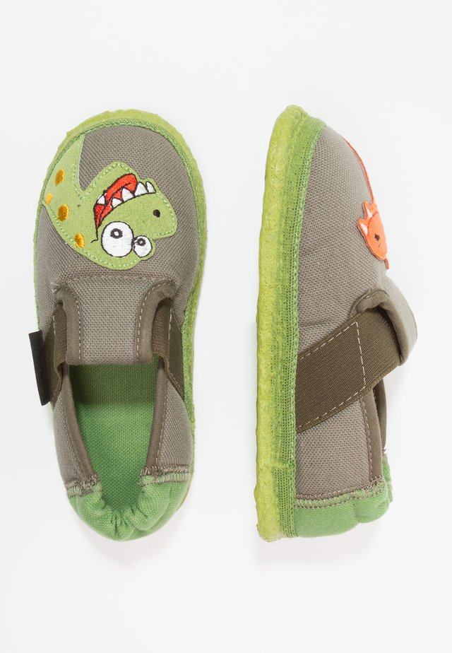 NESSI - Slippers - wald