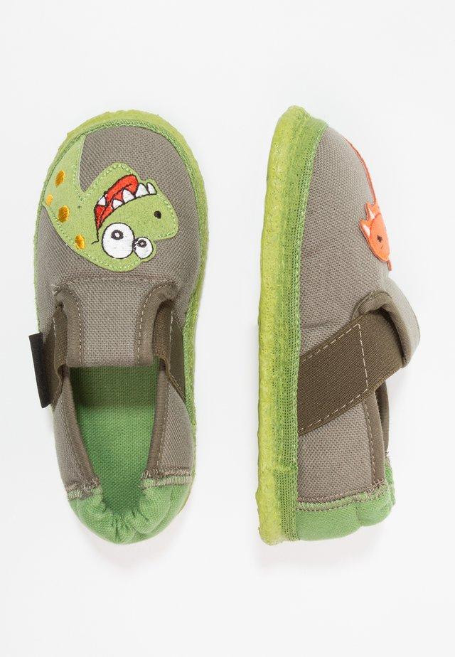 NESSI - Domácí obuv - wald