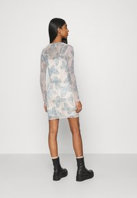 Missguided - BUTTERFLY PRINT CREW NECK MINI DRESS - Denní šaty - blue - 2