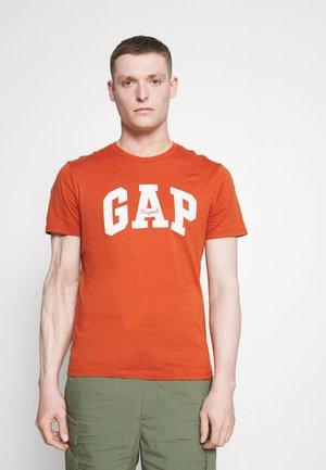 LOGO ARCH - Print T-shirt - copper velvet