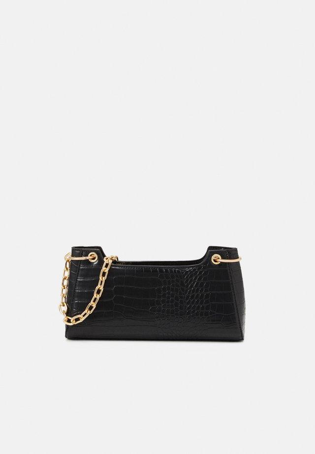 PCMICHELLE SHOULDER BAG - Kabelka - black/gold-coloured